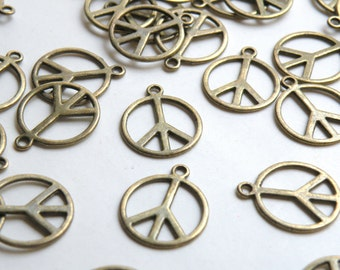 10 Peace sign hippie groovy charms antique bronze 18x21mm FC1590B