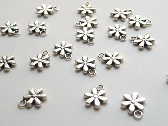 20 Flower snowflake charms 6 petals antique silver 13x11mm DB03799