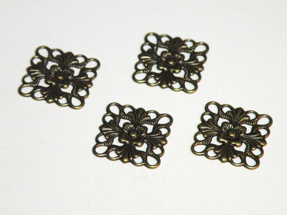 12 Flat scalloped square floral motif connector link or focal piece antique bronze steampunk 16x16mm 5130FY