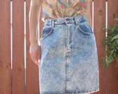 1990s Light Acid Wash Denim SKIRT / Women's Size 10 Medium