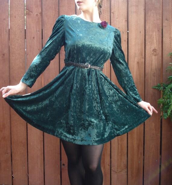 Evergreen Crushed Velvet Baby Doll Dress w Red Rose / Long Sleeve Mini / Women's Size Small