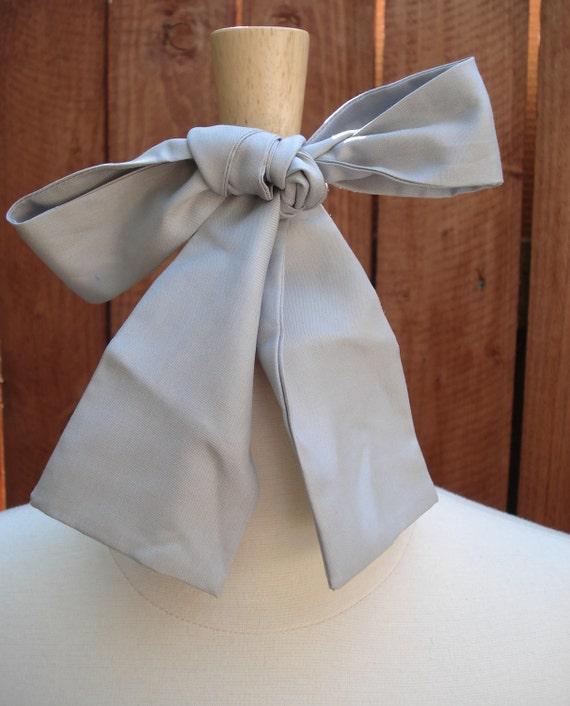 Vintage Light Gray Silk Ascot BOW Tie / Women's Necktie