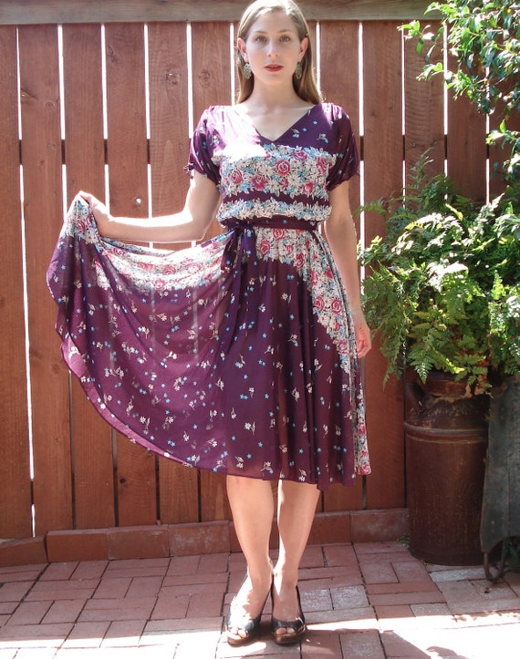 Vintage Plum Floral Semi-Sheer Perfect Housewife Dress - Women's Size Small / Medium