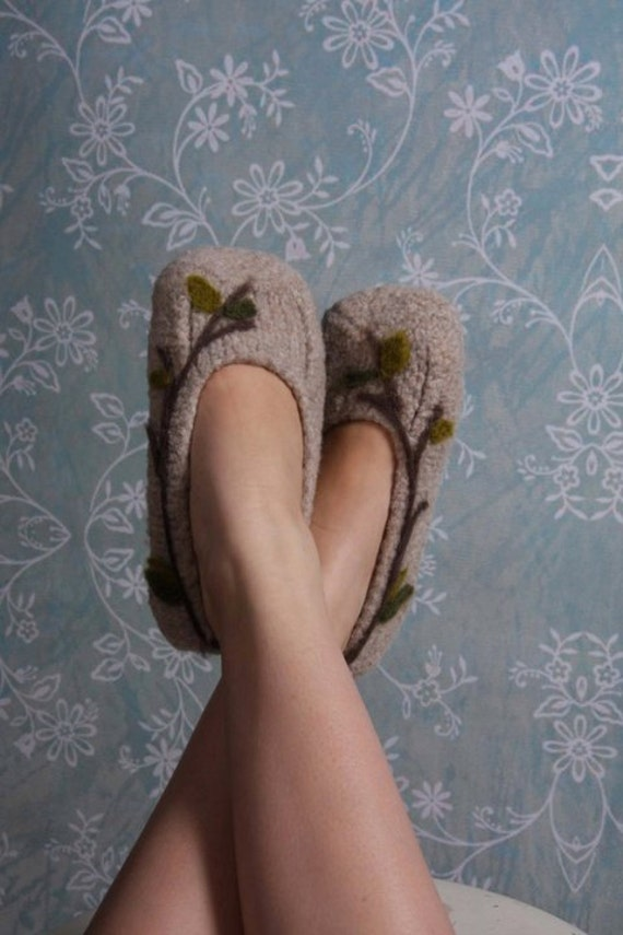 Earthy Felted Slippers with Vine Detailing (Ladies Sizes)