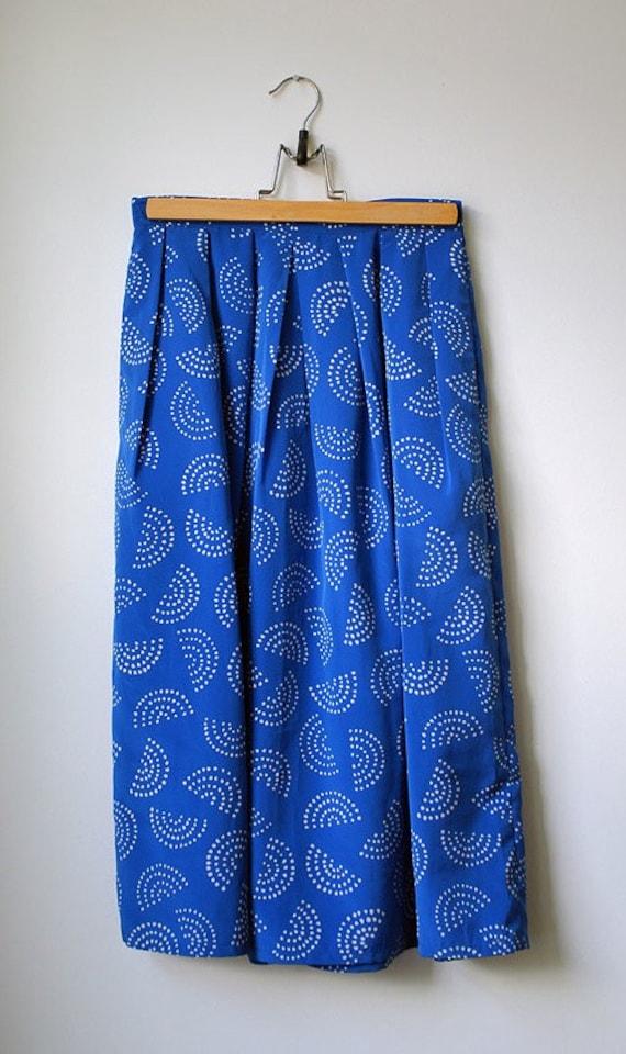 SALE Vintage Pleated Blue White Crescent Midi Skirt