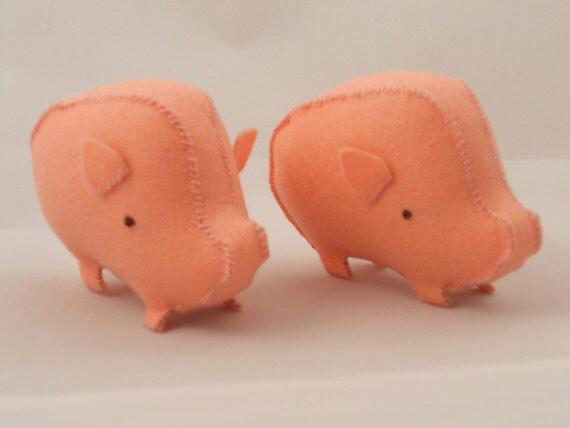 Wee Wonderfuls Felt Pig Toy