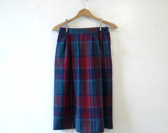 Vintage 80s Skirt, Pendleton Wool Plaid.  Medium