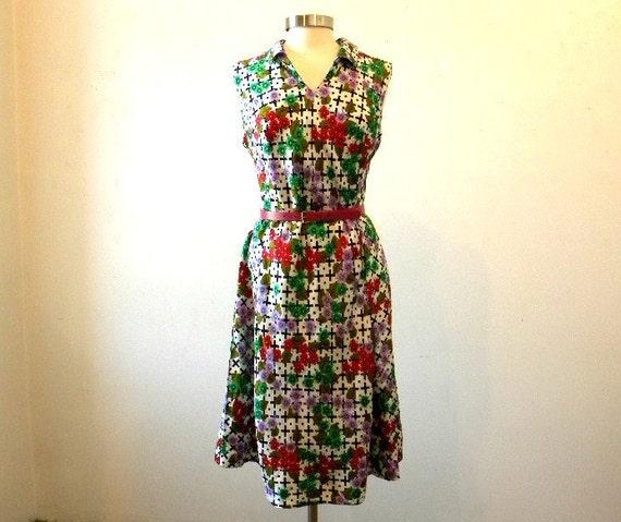 Plus Size Floral Dress / Spring Fashion / Vintage 70s European