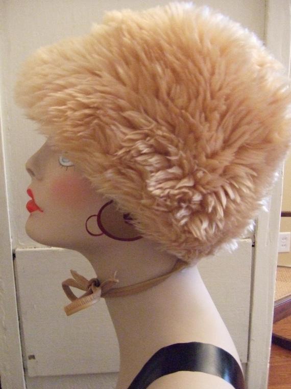 Hat Vintage Faux Fur Keeps You Warm in Winter