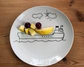 Children's playful boat side plate