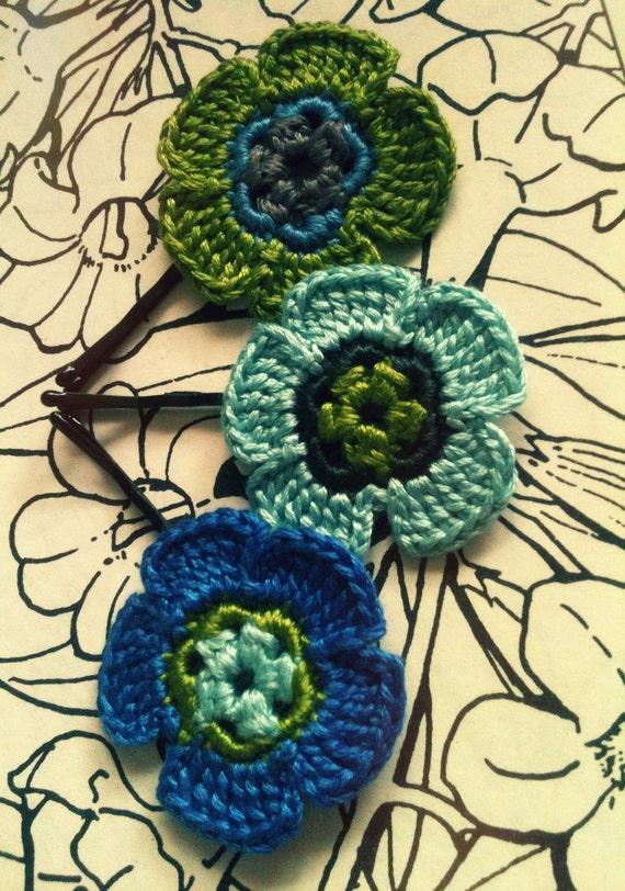 Crochet Daisy Flower Hair Pins, Green, Blue and Grey