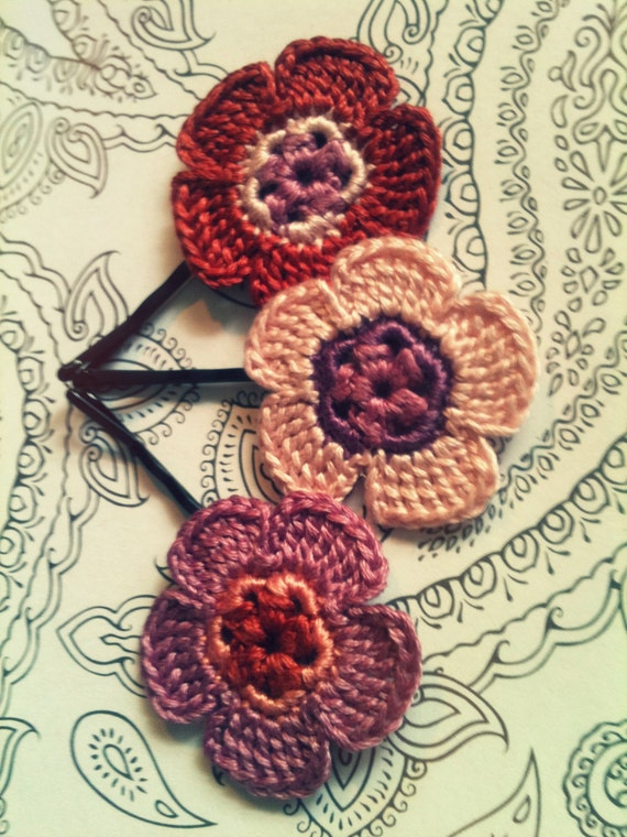 Crochet Daisy Flower Hair Pins, Perfectly Peach and Purple