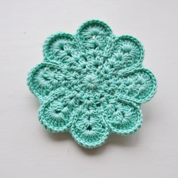 Handmade crochet pin - mint