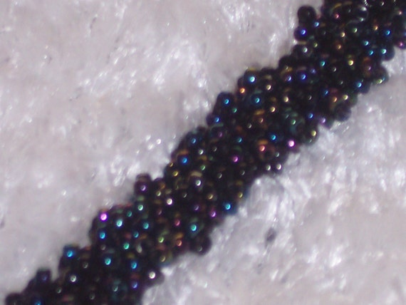 Elgegant and Sparkly Beaded Bracelet with Black Irredescent Beads