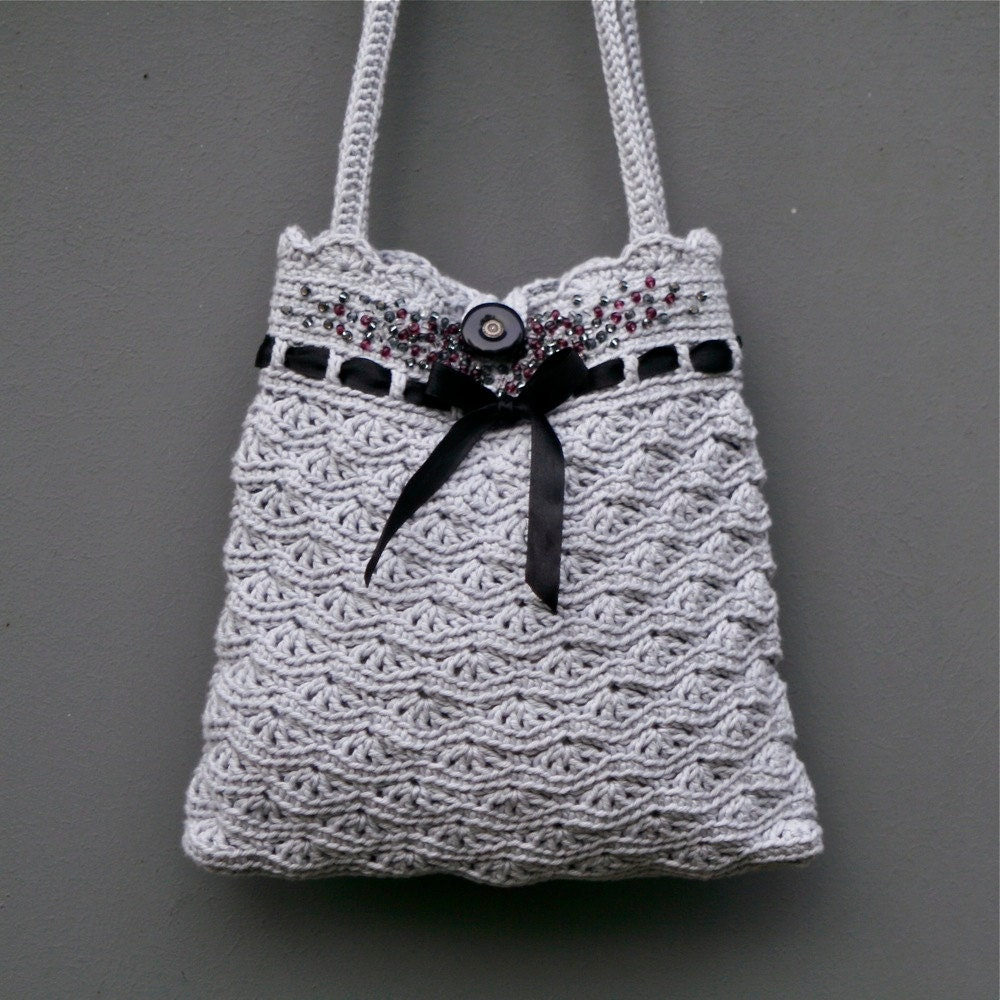 Bohemian Fringed Crochet Bag - Free Purse Pattern with Leather Straps