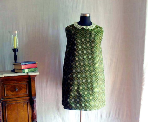 Green aline dress with lace trim - Vintage inspired - Sizes S - Last piece