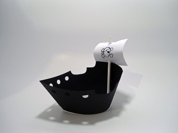 Pirate Ship Cupcake Wrappers & Toppers