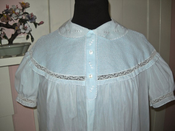 Barbizon Smocked Chemise Nightgown 1960's Vintage Lingerie Blendaire Batiste Seraphin with Lace & Embroidery Size Medium  - VL6