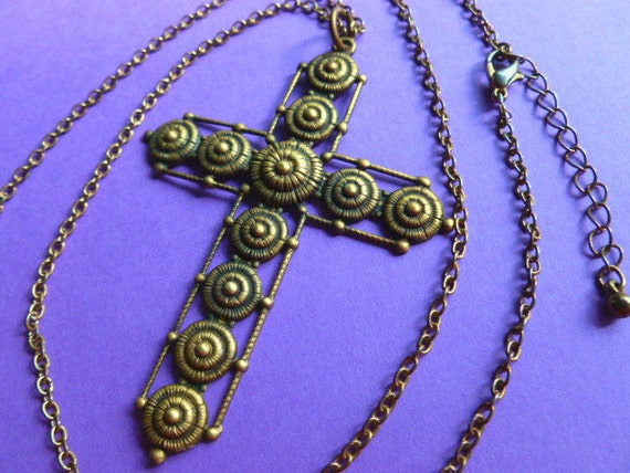Vintage Antiqued Brass Circle Design Cross Pendant Necklace