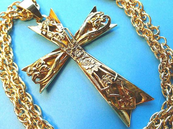 SUPERSIZE Gold 3D Statement Cross, Fleur di Lis Cross Pendant, Cross & Double Link Neck Chain, 1970s Goldtone Cross Necklace