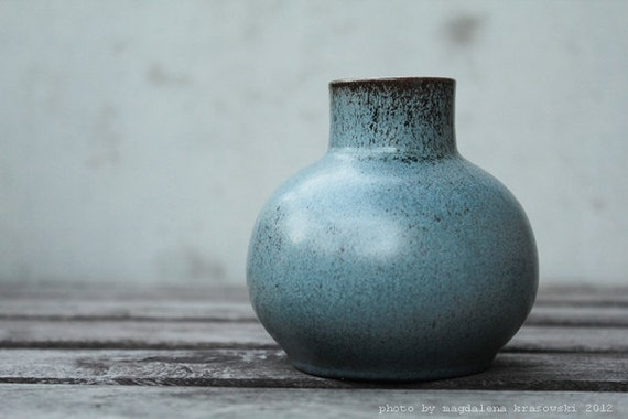 simple stylish minimalistic vintage ceramic vase