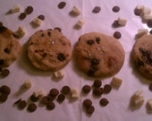 Organic All Natural Artisan Pet Treats - Carob White Chocolate Chip Cookie by Faux fur Pet Bakery and Couture Treats