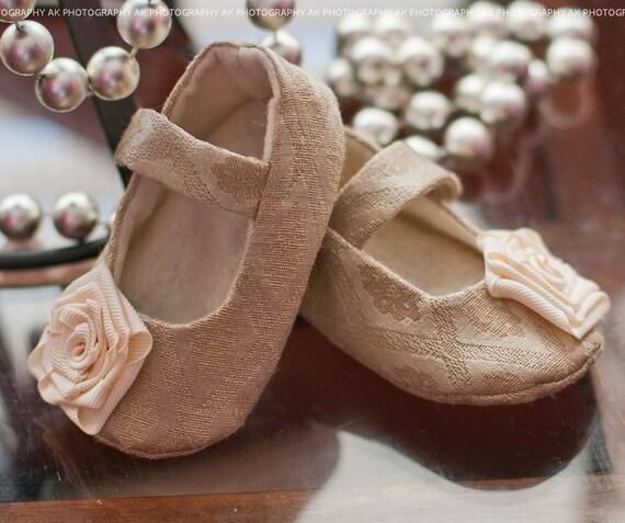 """AK DESIGNS """"Elegant Baby Shoes"""" - Little Katie"""