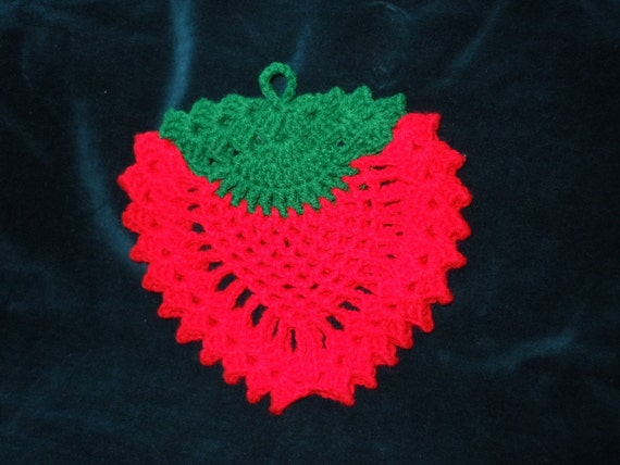 Vintage 60's  Red Strawberry  Pot Holder  Crocheted- 9""