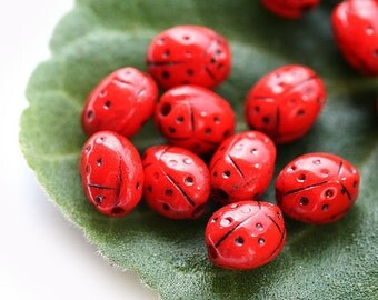 Red ladybug czech beads, small Glass beads - opaque, black dots, spring - 7x5mm - 20Pc - 0256