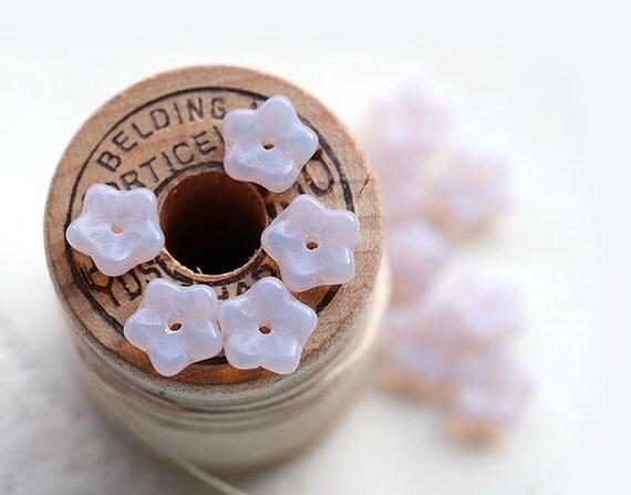 Light lilac Czech glass Flower beads - small bells, pastel, soft - 7mm - 30Pc - 0323