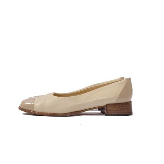 RESERVED for M // Vintage Joan & David Spectator Flats Beige Minimalistic Shoes Women's size 7 1/2