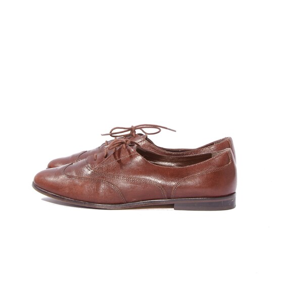 Women's Vintage Wingtip Oxfords Brown Leather Shoes by Nicole size 8