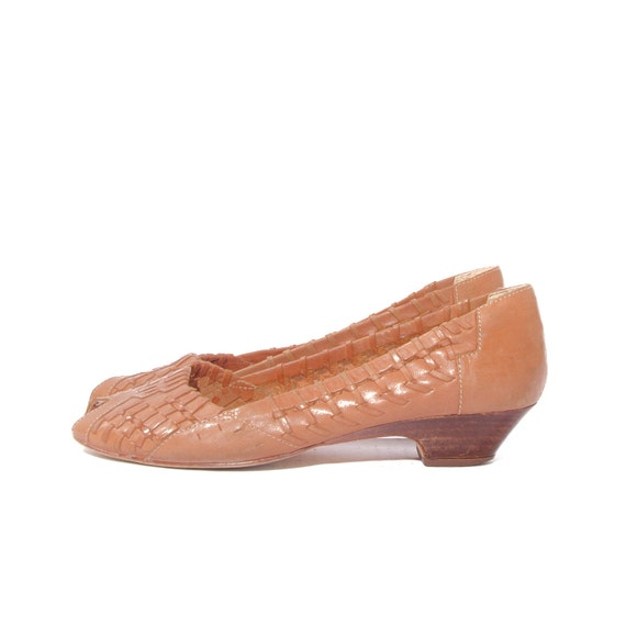 Peep Toe Basket Weave Kitten Heel Shoes Boho Honey Brown size 8
