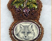 Scrimshaw Fox Bead Embroidered necklace