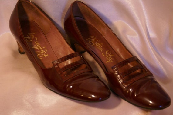 1960's Sz 9AA Maroon Patent Leather Shoes by Rhythm Step