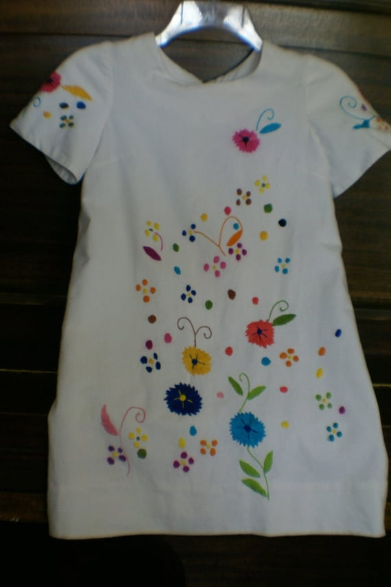 ON RESERVE Girls Mexican Embroidered Dress Size 10