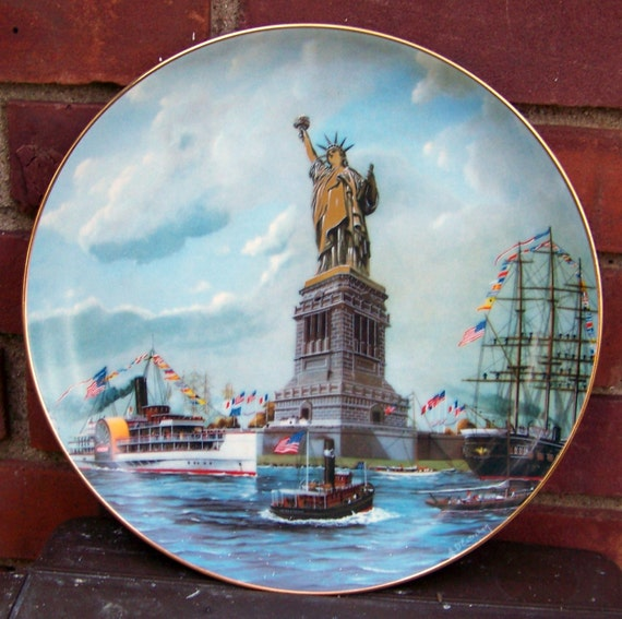 """Vintage 1985 Limited Edition Statue of Liberty """"The Dedication"""" Collectible Plate / New York Collectibles"""