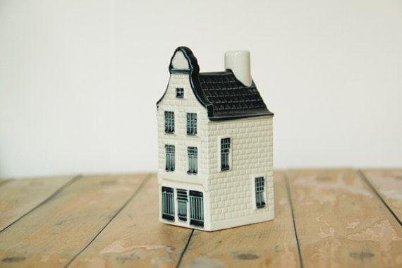 delft porzellan sammlungs haus klm amsterdam nummer 30 80er. Black Bedroom Furniture Sets. Home Design Ideas