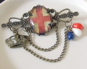 Vintage Cool Britannia Brooch .. Union Jack brooch, British flag brooch, cabochon brooch