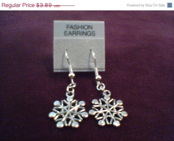 Inventory Clearance Sale Snowflake charm earrings