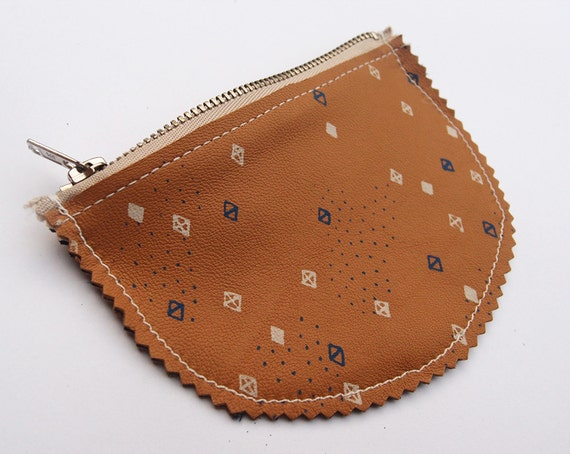 Trinket Coin Purse  / A leather purse featuring a hand screenprinted design