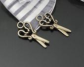 30 pcs 24x12mm Antique Bronze 3D Scissors Double Sided Charms Pendants g33140