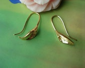 10 pcs 25x11mm Gold Vintage Copper Filled Calla Lily Flowers Ear Fish Hooks Wire Earwires Earrings Findings G03022