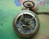 Large Antique Bronze Filigree Birds Arrows Golden Movement Round Pocket Watch Locket Necklaces