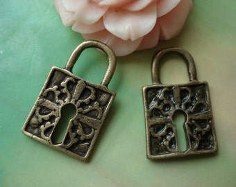 10 pcs 26x15mm Antique Bronze 3D Metal Locks Double Sided Charms Pendants G09410