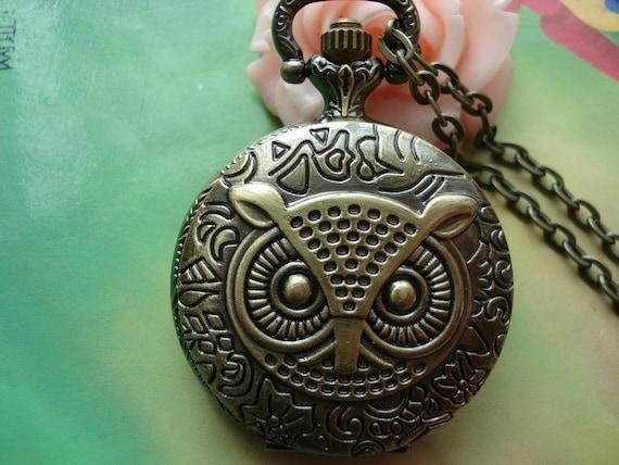 Medium Antique Bronze Owls Heads Round Pocket Watch Locket Pendants Necklaces with Chains FREE Ribbon