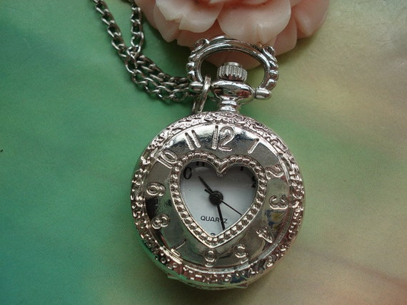 Small Silver White Steel Vintage Filigree Love Hearts Roman Steampunk Round Pocket Watch Locket Pendants Necklaces