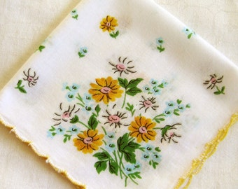 Vintage Floral Hanky, Bright Yellow Dahlia Flowers, Scallop Trim Borders  EXCELLENT