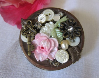 Brooch, Steampunk - Pretty in Pink