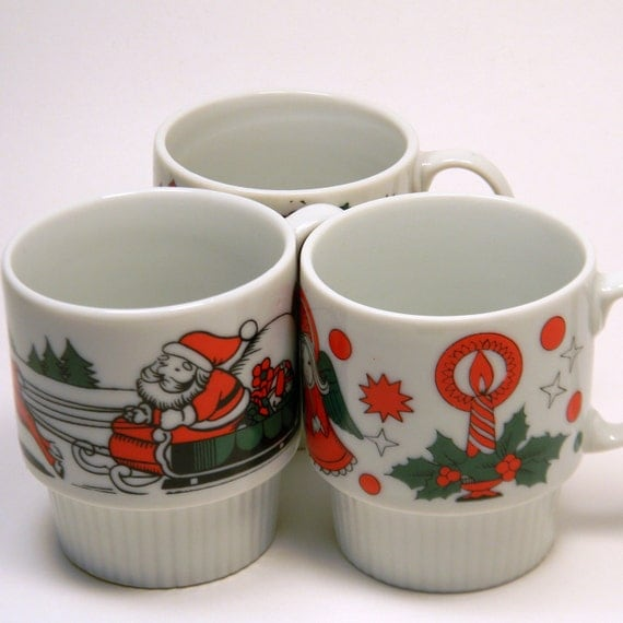 Stacking Christmas Mugs, Vintage 1960s Japan Holiday Coffee Cups